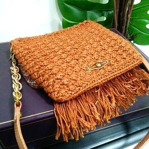 Exquisite Elliott Lucca crochet